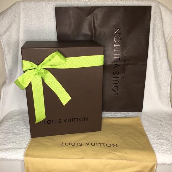 3c2832fa9d02 Louis Vuitton Other - LOUIS VUITTON Empty Gift Box
